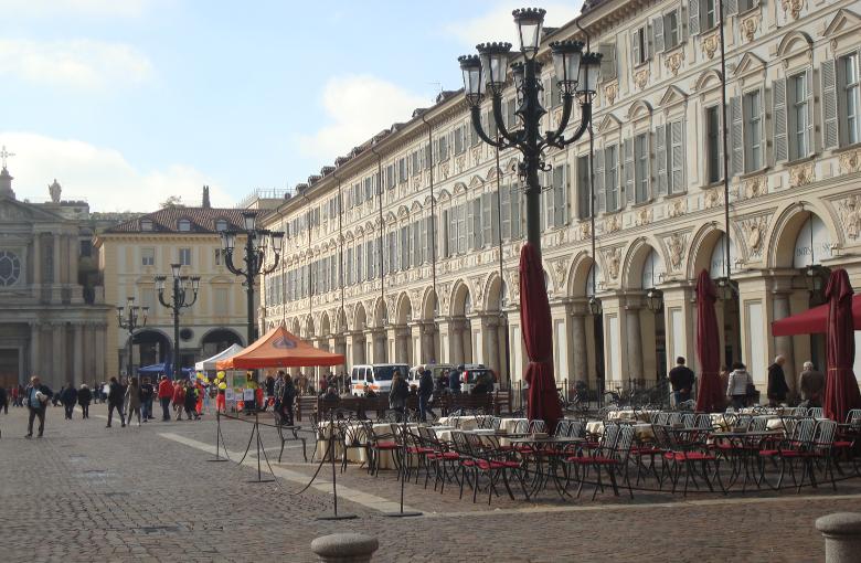 Piazza San Carlo, hier spielte sich das politische Leben von Piemont ab. PS: das 1842 eröffnete Café San Carlo war das erste Lokal mit Gasbeleuchtung in Italien.